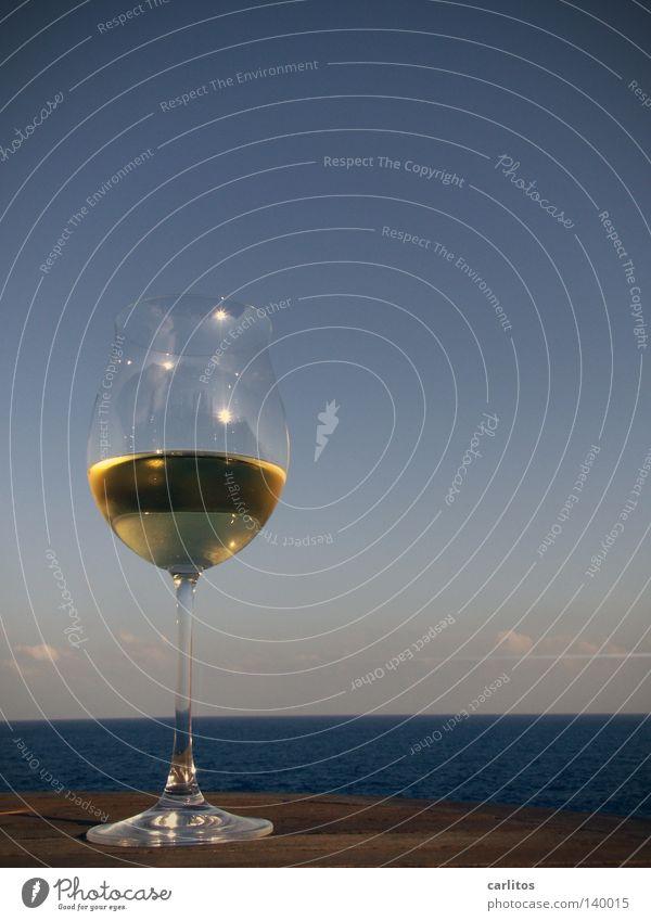 Wein ... Meer Strand Ferien & Urlaub & Reisen Erholung träumen Küste Glas Getränk Perspektive Pause Aussicht Wein Freizeit & Hobby Alkohol Ruhestand Mallorca