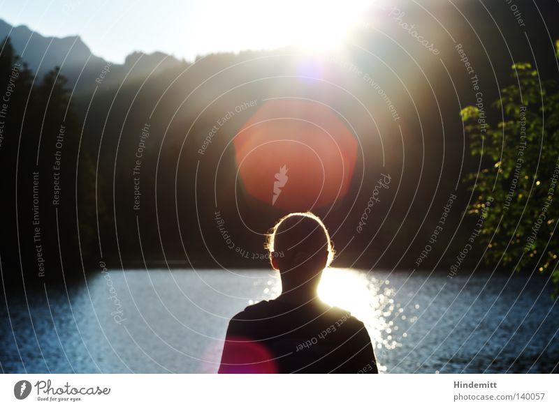 Gegen Licht Frau Wasser Himmel Baum Sonne grün blau Sommer Ferien & Urlaub & Reisen ruhig schwarz Leben Erholung Berge u. Gebirge Frühling Haare & Frisuren