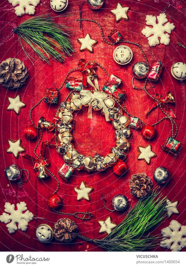 Weihnachtskarte mit Kranz , Dekorationen und Schneeflocken Weihnachten & Advent grün rot Stil Feste & Feiern Wohnung Design Dekoration & Verzierung Gold Stern (Symbol) Zeichen Postkarte Kitsch Veranstaltung Tradition Weihnachtsbaum