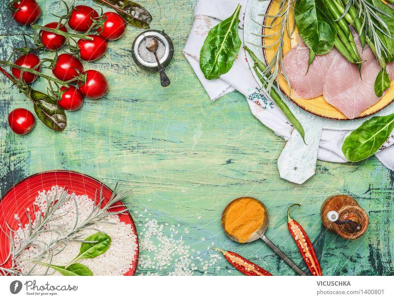 Hähnchenbrust mit Reis , frisches Gemüse und Zutaten fürs Kochen Lebensmittel Fleisch Salat Salatbeilage Kräuter & Gewürze Ernährung Mittagessen Abendessen