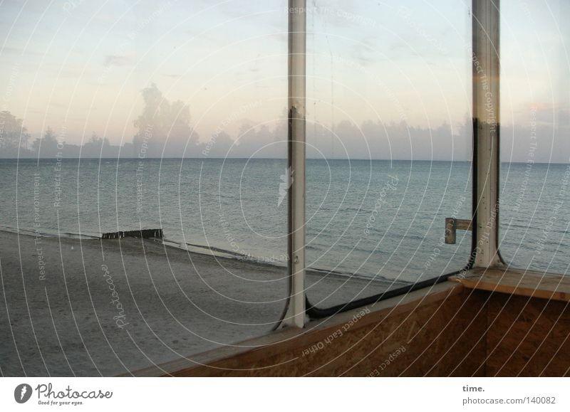 Immer noch Fernweh hinter Glas Himmel Wasser Meer Einsamkeit Wolken Strand Holz Küste Horizont verfallen Ostsee Abenddämmerung Fensterscheibe Griff