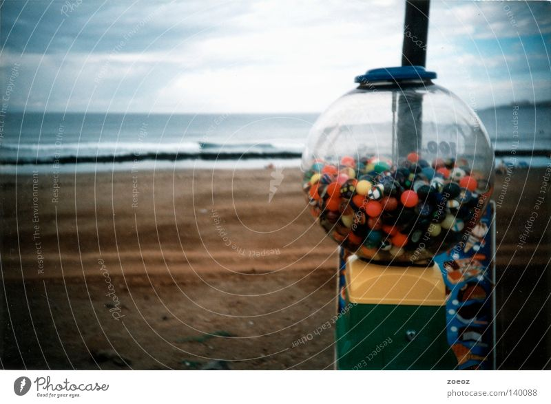 kaugummistrand Meer Strand Ferien & Urlaub & Reisen Wolken Sand Automat Erde Süßwaren Bonbon Promenade schlechtes Wetter Kaugummiautomat