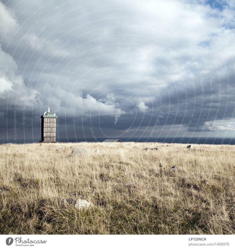 HARZ. I Himmel Natur Ferien & Urlaub & Reisen Landschaft Wolken Ferne Berge u. Gebirge Umwelt Herbst Gras Tourismus wandern Ausflug Turm schlechtes Wetter