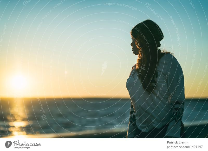 _ Mensch Frau Jugendliche Junge Frau Sonne Erholung Meer ruhig 18-30 Jahre Erwachsene Leben feminin Stil Gesundheit Lifestyle Stimmung
