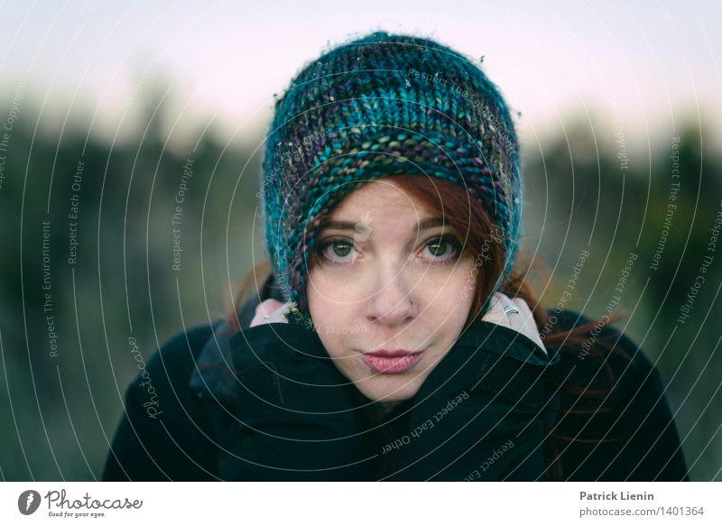 _ Mensch Frau Natur Jugendliche schön Junge Frau Erholung Hand Landschaft Gesicht Erwachsene Umwelt Gefühle feminin Lifestyle Haare & Frisuren