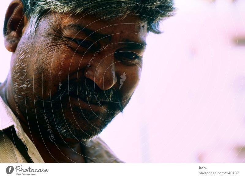 Ein Lächeln in Ajmer Gesicht lachen einfach Neugier Freundlichkeit Indien gemütlich positiv angenehm bescheiden Inder Güte Rajasthan