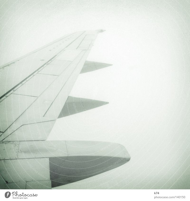 AIRCRAFT alt Himmel Wolken Ferne Luft Linie Vogel Angst Flugzeug Nebel fliegen Beginn Geschwindigkeit Perspektive Luftverkehr Güterverkehr & Logistik