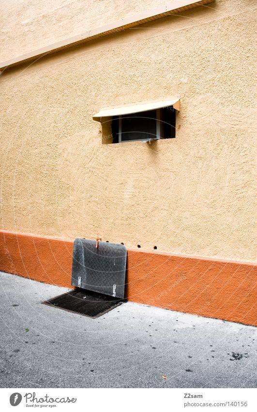 EINFACH gut einfach Klappe Fenster Teer Beton mehrfarbig Wand Haus Architektur reduzieren archtitektur Farbe orange Strukturen & Formen Perspektive Kontrast