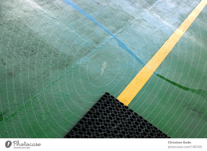 Konkret Himmel Wasser grün Ferien & Urlaub & Reisen Sommer Meer Strand schwarz gelb Wand Metall See Wasserfahrzeug Deutschland Horizont Wind