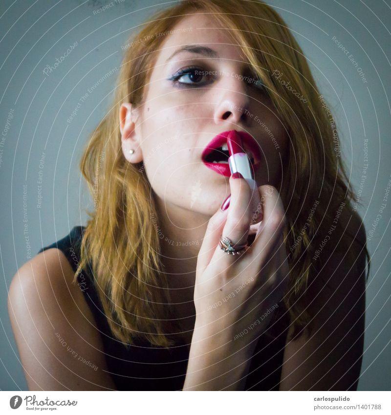 # 1401788 Mensch Frau Jugendliche schön Junge Frau rot Erotik 18-30 Jahre Gesicht Erwachsene feminin Stil Lifestyle Mode hell elegant