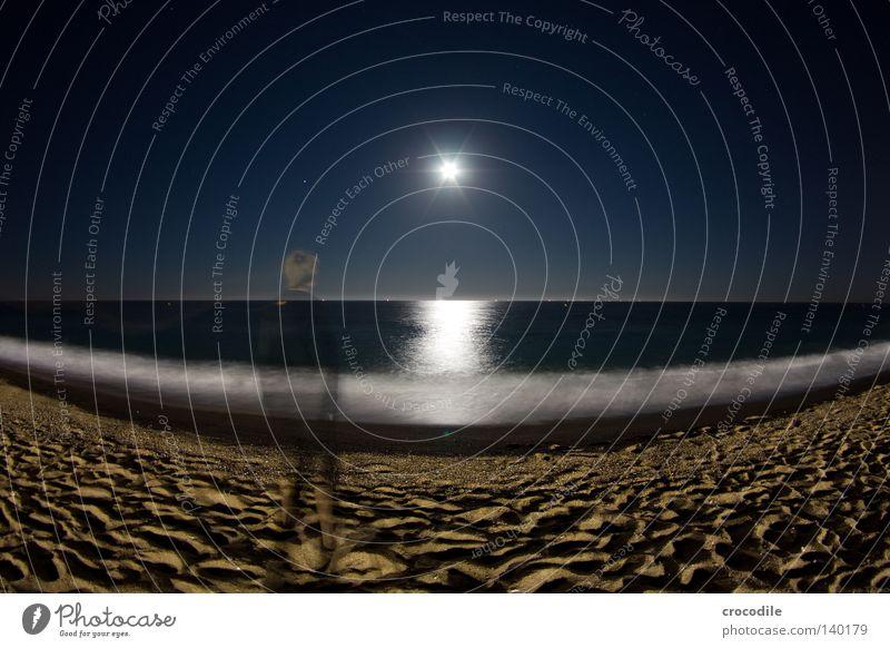 moonshine Mond Strand Beleuchtung Reflexion & Spiegelung Himmelskörper & Weltall Meer Wellen Brandung Fischauge Horizont Geister u. Gespenster Mensch Mann
