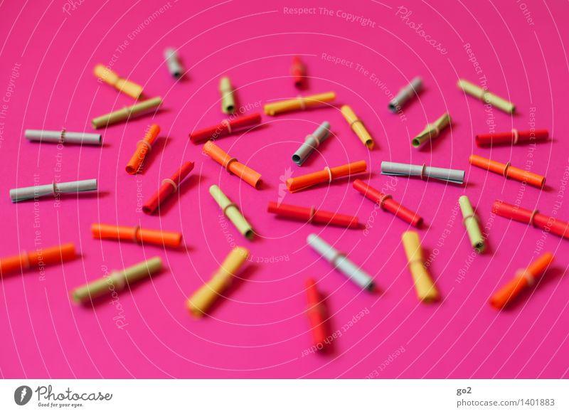 Glückssache Glücksspiel Lotterie Papier Lotterielose mehrfarbig rosa Erfolg verlieren Zufall Farbfoto Innenaufnahme Studioaufnahme Menschenleer Tag