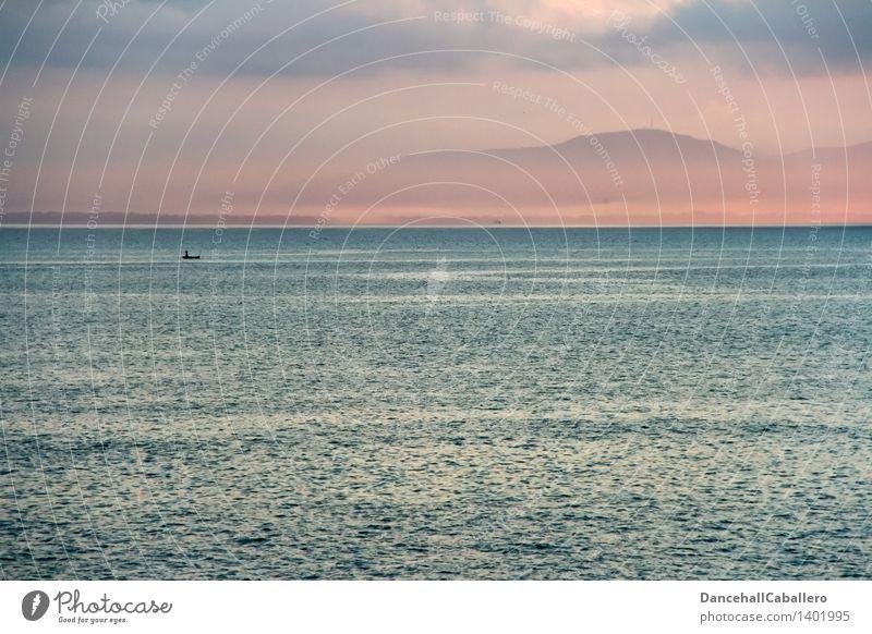 fisherman Angeln Tourismus Abenteuer Ferne Freiheit Sommer Meer Insel Wellen Berge u. Gebirge Fischer Fischereiwirtschaft Mensch 1 Schönes Wetter Nebel Küste
