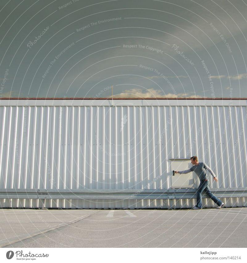 wish you were here Mann Silhouette Dieb Krimineller Ausbruch Flucht umfallen Fenster Parkhaus Geometrie Gegenlicht Jacke Mantel Mütze Strahlung Thriller
