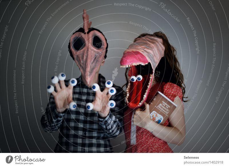 Happy Halloween Karneval Mensch Frau Erwachsene Mann Gesicht Auge Mund Zähne 2 gruselig Monster Maske Farbfoto Innenaufnahme Oberkörper Vorderansicht