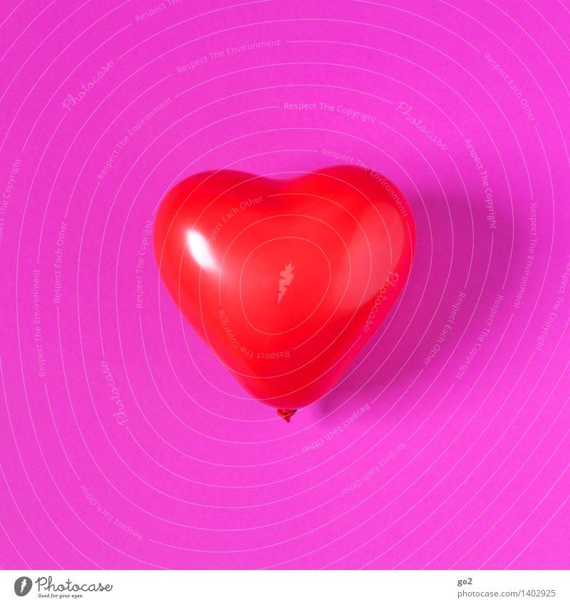 Herzenssache Valentinstag Luftballon Zeichen Liebe rosa rot Gefühle Glück Freundschaft Verliebtheit Romantik Kitsch Farbfoto Innenaufnahme Studioaufnahme