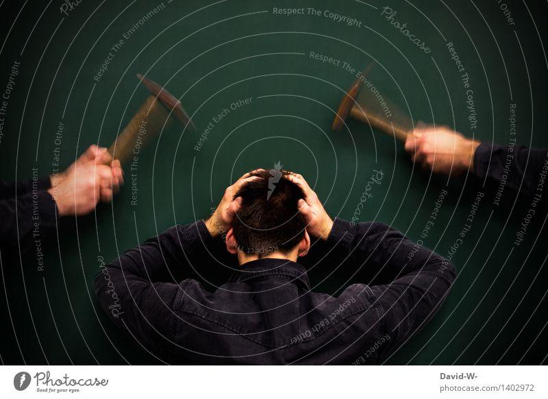 hämmernde Kopfschmerzen Wissenschaften Erwachsenenbildung Schule lernen Tafel Schüler Student Business Mensch maskulin Junger Mann Jugendliche Leben Denken