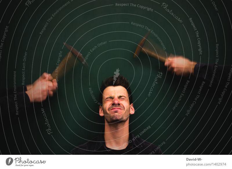 autsch - hämmernde Kopfschmerzen kopf hämmernde kopfschmerzen migräne Darstellung kreativität Schmerz Mensch Migräne Krankheit Hände Hammer schlagen druck