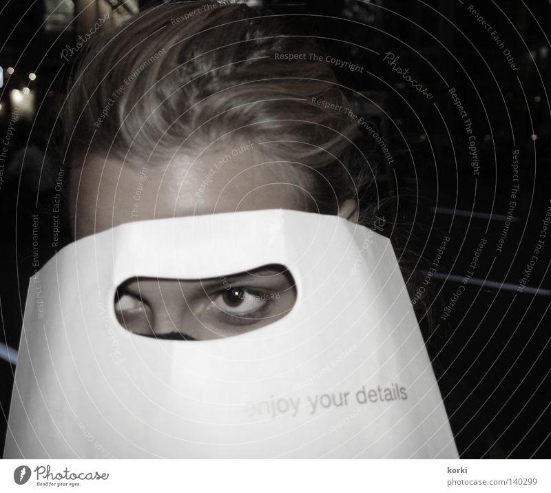 observation Frau Gesicht Auge Haare & Frisuren beobachten verstecken Rauschmittel