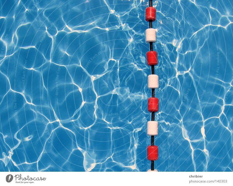 Achtung da unten!!! Wasser weiß Meer blau rot Sommer Freude Ferien & Urlaub & Reisen Farbe Sport springen Freiheit nass frisch Schwimmbad Schwimmsport