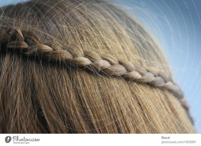 Flechtwerk feminin Mädchen Frau Erwachsene Kopf Haare & Frisuren 1 Mensch blond langhaarig Zopf trendy photocase Flechtfrisur geflochten Farbfoto