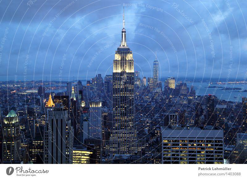 Empire State Building NYC Stadt Architektur Gebäude außergewöhnlich Business Horizont glänzend Design Büro Tourismus Hochhaus ästhetisch Perspektive Beton