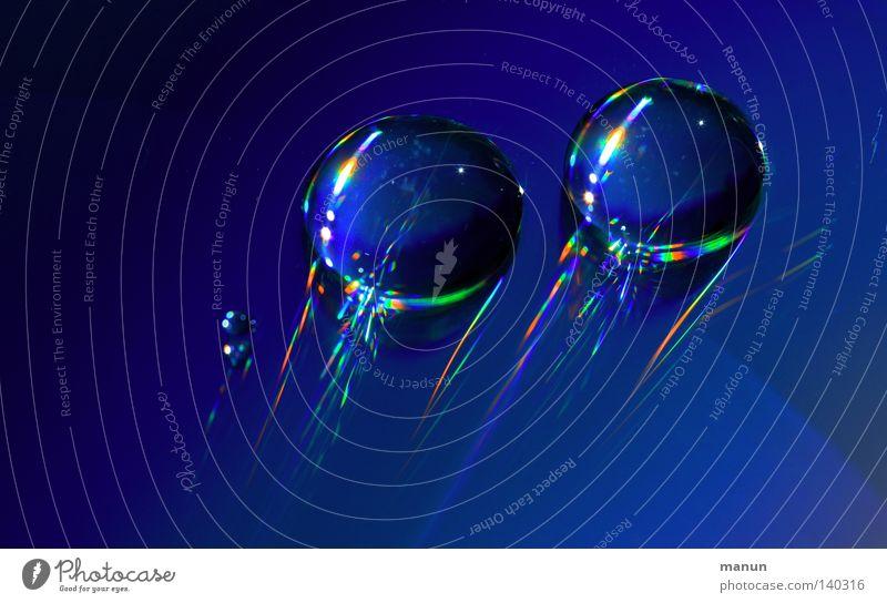 space effect blau Wasser Sommer Stil Linie glänzend Design modern außergewöhnlich Wassertropfen Perspektive Streifen rund Urelemente einzigartig Kunststoff