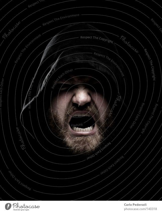 RiotKid Mann Gesicht schwarz dunkel Angst Geistlicher Nase gefährlich Zähne bedrohlich Hautfalten gruselig Gewalt Tunnel Bart Falte