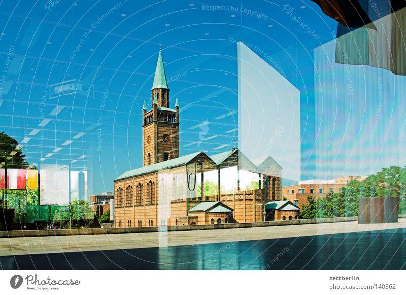 Spiegel Kirche heilig Kirchenschiff Kirchturm Religion & Glaube Kultur Hochkultur Bauwerk Gegenteil modern Klassische Moderne Bauhaus Kunstgalerie