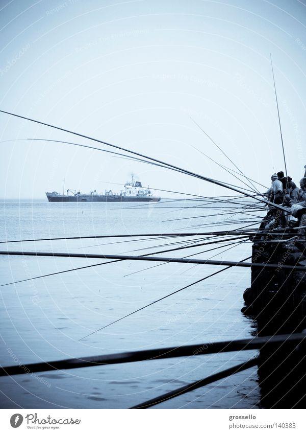 Fischboot Mole Barke Fluss Meer Fischereiwirtschaft Gewässer Wasser Himmel Freizeit & Hobby Barco cañas celeste blau muelle Rio de Janeiro Wasserfahrzeug Pesca
