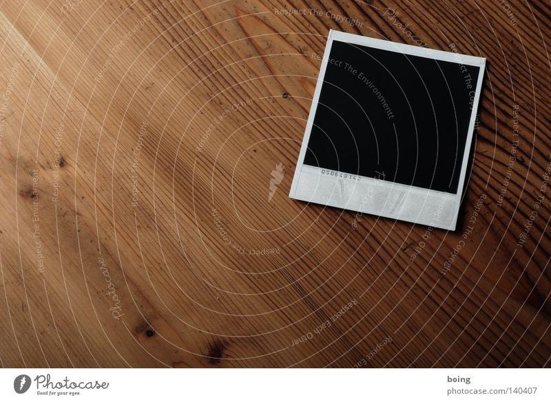Verunsichtbarkeitung in der Praxis Polaroid schwarz Fotografie Tisch Freizeit & Hobby Bild Gemälde Poster Erfinden Krümel Kunst Rückseite Fax Sofortbildkamera