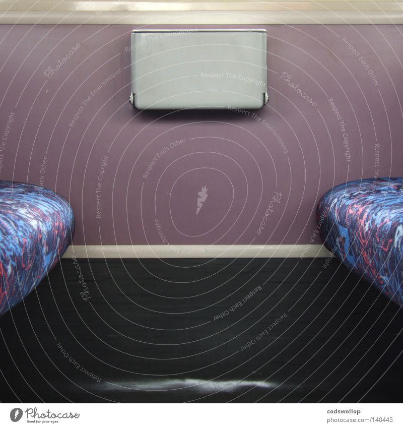 second class Pendler Eisenbahn U-Bahn S-Bahn Symmetrie Sitzgelegenheit Abteilung Orient Express Müllbehälter Verkehrsmittel Langeweile boneshaker kuddelbahn