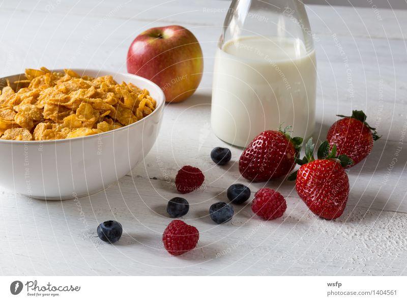 Cornflakes in einer Schale Frucht Apfel Frühstück Milch Schalen & Schüsseln Holz Frühstücksflocken Flocke Blaubeeren Zerealien Himbeer Müsli Erdbeeren Korn
