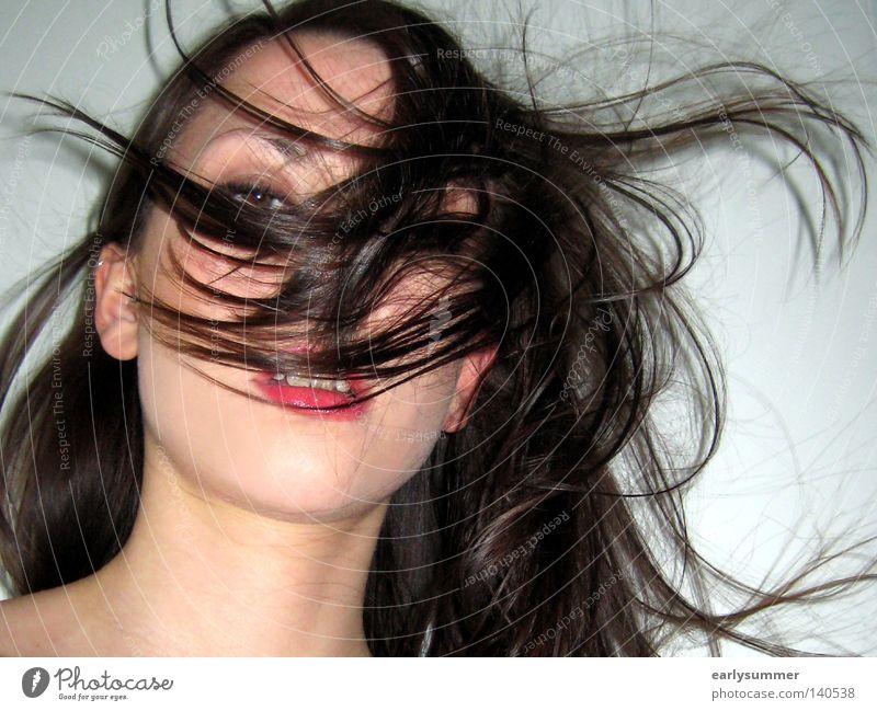 ~ Frau Jugendliche weiß schön Gesicht Wand Gefühle Kopf Haare & Frisuren Wind Mund ästhetisch Hoffnung Wunsch Körperhaltung