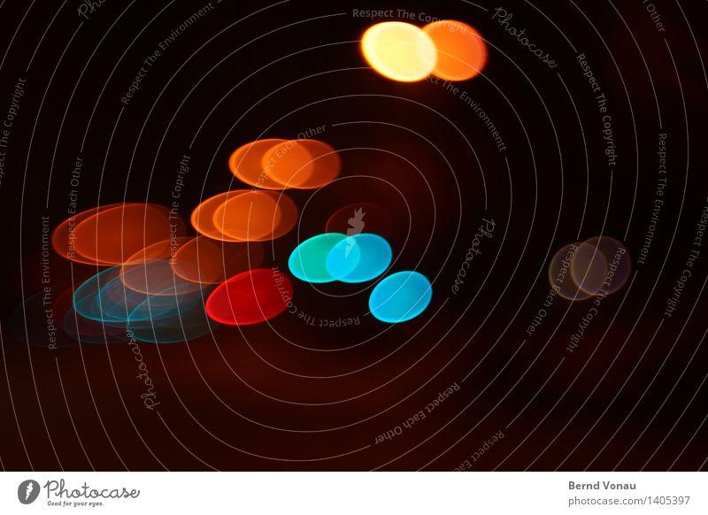 des nachts Verkehr Verkehrswege Autofahren Straße blau mehrfarbig gelb gold rot schwarz Unschärfe Oval Ei Ostern Bewegung Dynamik Scheibe Kreis rund Lampe