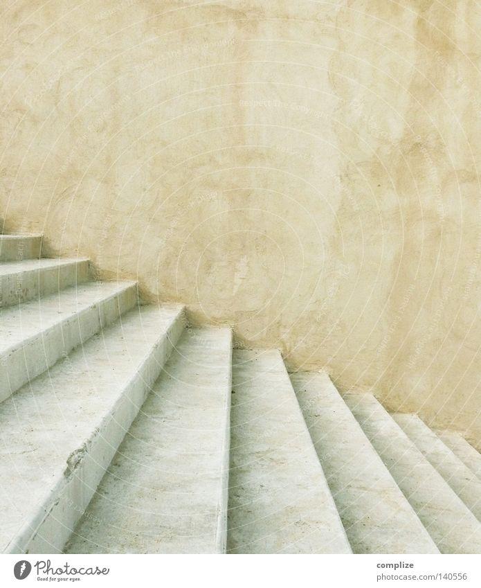 Treppe (ohne Loch) alt Sommer Haus hell hoch Erfolg Baustelle gut verfallen Beruf aufwärts positiv antik anstrengen