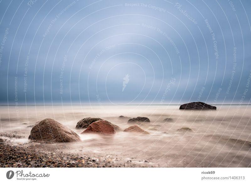 Steine an der Ostsee Natur Ferien & Urlaub & Reisen blau Wasser Erholung Meer Landschaft Wolken Strand Küste Holz Felsen Tourismus Idylle Wellen