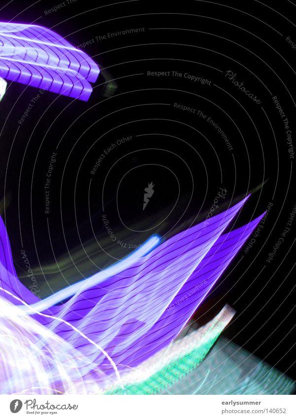 pastellight Licht Langzeitbelichtung blitzen Laser Lasershow Laserschwert Club gehen Abend Nacht dunkel grün violett rosa gelb Neonlicht Lampe Wissenschaften