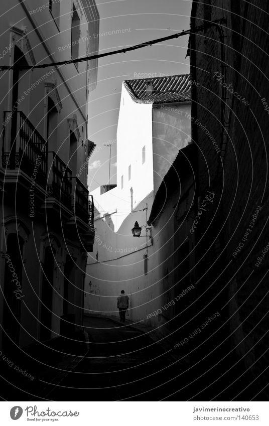 Einsamkeit Eingang Tunnel Stadt Trauer Cordoba Andalusien Schatten Freizeit & Hobby weiß (Ziel) und schwarz Weg antik Spaziergang Cordova weiß(ziel) Traurigkeit