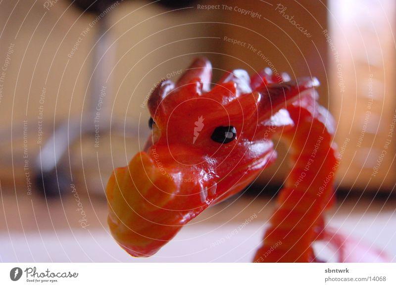 roter Drache rot Spielzeug Drache