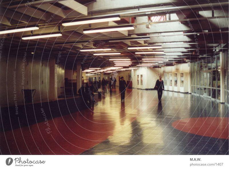 Die Halle Pause Architektur Lagerhalle Schule Exkursion.