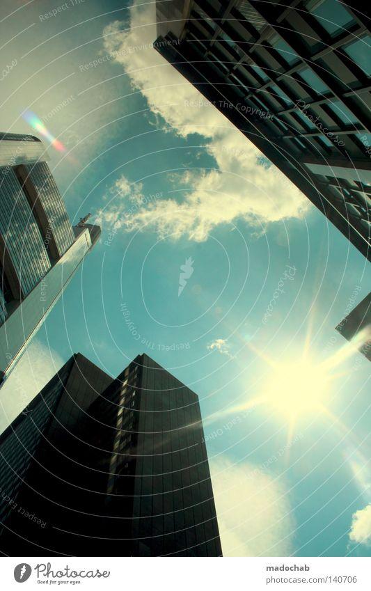 HIGH NOON Himmel Sonne Stadt Wolken Arbeit & Erwerbstätigkeit oben Bewegung Gebäude Business Kraft Architektur glänzend groß Hochhaus Beginn