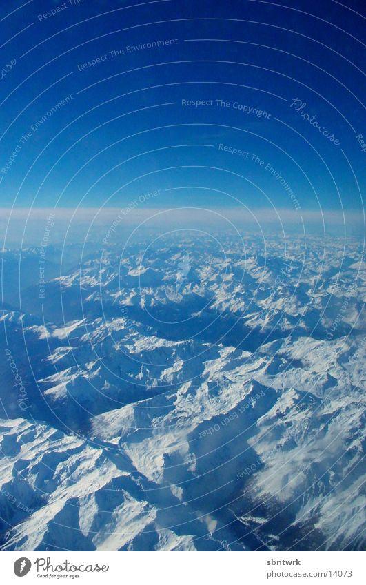 Die Alpen Flugzeug Luftverkehr Himmel blau Berge u. Gebirge Schnee