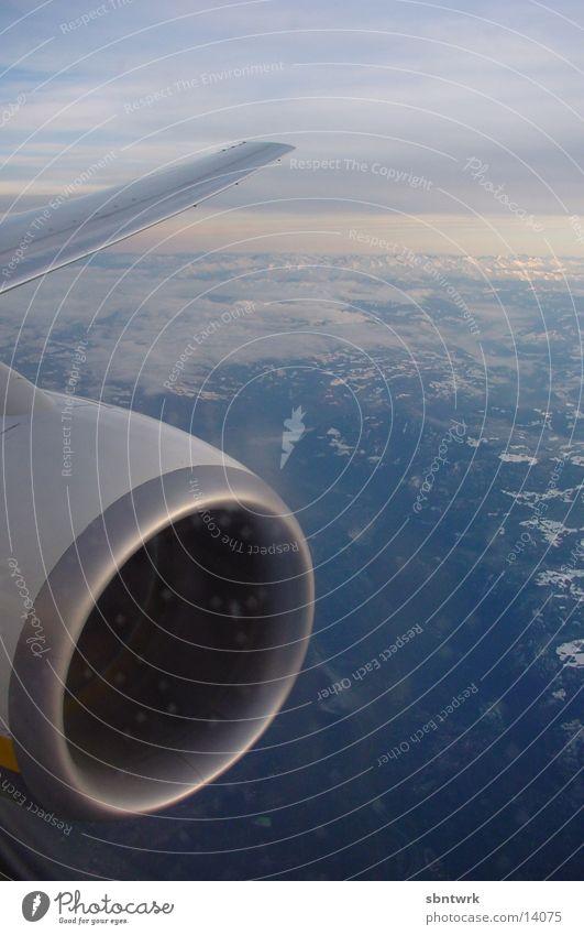Flugzeugdüse Himmel Wolken Luftverkehr Alpen Düsenflugzeug