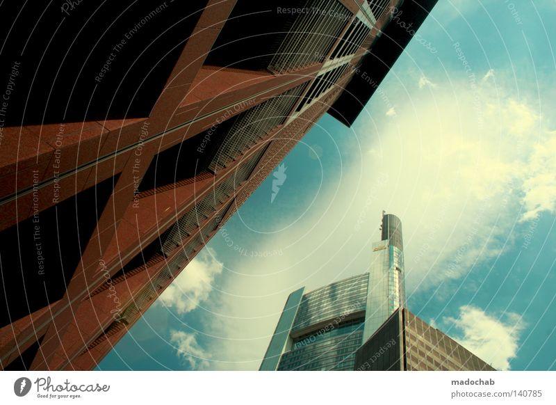 URBAN TAKEOVER Hochhaus Frankfurt am Main Manhattan groß Macht Koloss Lichtfleck strahlend Sonnenstrahlen grell beeindruckend Gebäude Kapitalwirtschaft Beginn