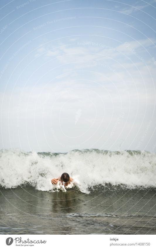 superboy Lifestyle Freude Schwimmen & Baden Freizeit & Hobby Ferien & Urlaub & Reisen Sommer Sommerurlaub Meer Wellen Kind Junge Kindheit Jugendliche Leben Kopf