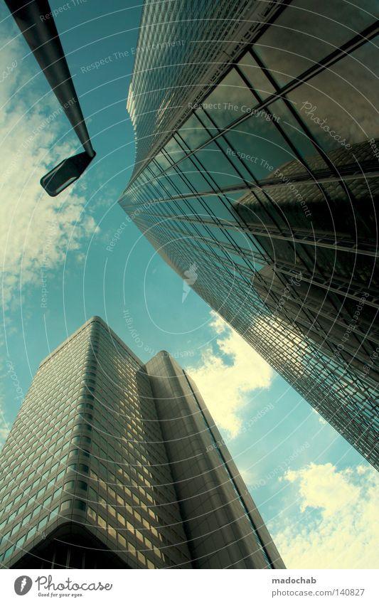 Hochhaus Skyline Frankfurt am Main Bank Bankenviertel Manhattan groß Macht Koloss Lichtfleck Reflexion & Spiegelung strahlend Sonnenstrahlen grell beeindruckend