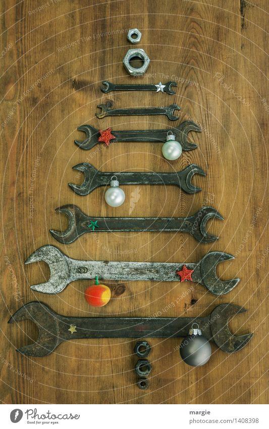 Weihnachtsbaum für Handwerker: verschieden große Schraubenschlüssel mit Weihnachtsschmuck Freizeit & Hobby Feste & Feiern Weihnachten & Advent