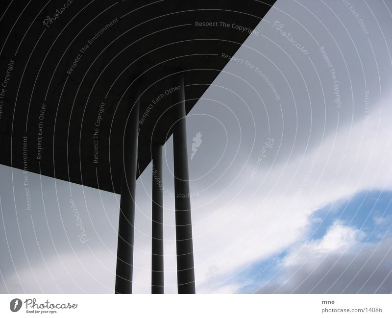 LuftSäule Himmel Wolken Architektur Beton Säule