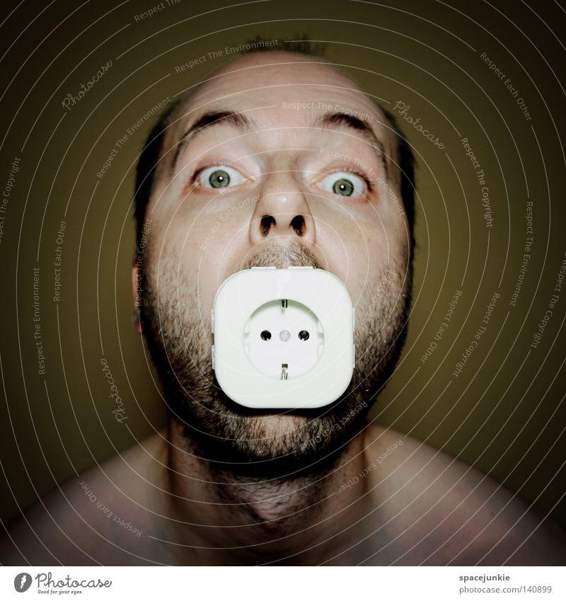 Stromanbieter Mann Freude Gesicht Ernährung Kraft Lebensmittel Kraft Energiewirtschaft Elektrizität gefährlich bedrohlich Netz Freak Technik & Technologie Steckdose Stromverbrauch